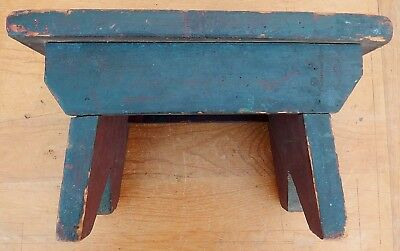 Antique 19thC Primitive Maine Country Foot Stool Deep Winsor Green Square Nailed