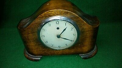 Vintage TEMCO Electric Mantel Clock in solid wood casing