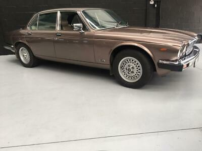 JAGUAR XJ6 4.2 sovereign series 3- Beautiful condition.