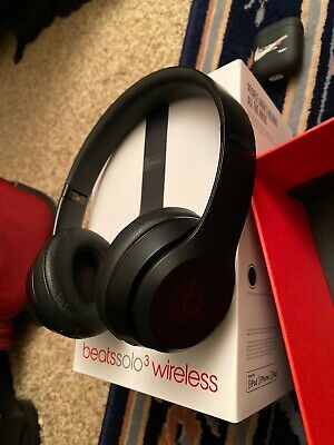 Beats by Dr. Dre Solo3 Wireless Over the Ear Headphones - Matte Black