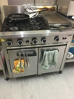 Cobra CR9 Commercial 4 Burner 2 Door Oven With Grill, used but in good condition