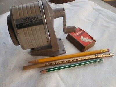 Pencils & Pencil sharpener  working