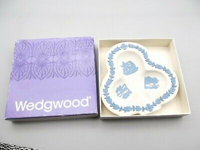 Vtg Wedgwood Blue & White Jasperware Ashtray Trifoil + Box Clover Greek Roman