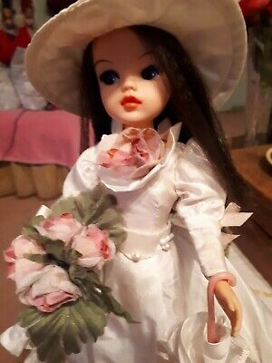 Vintage sindy doll wearing romance and roses ( complete)