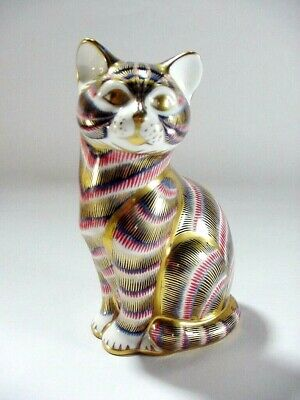 Lot: #1: ROYAL CROWN DERBY ENGLISH BONE CHINA SITTING CAT PAPERWEIGHT BLUE GOLD