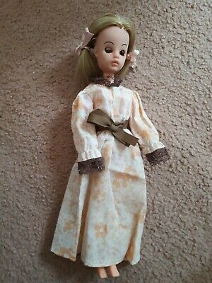Vintage sindy doll sleeping sindy dressed in pleasant dreams 1976