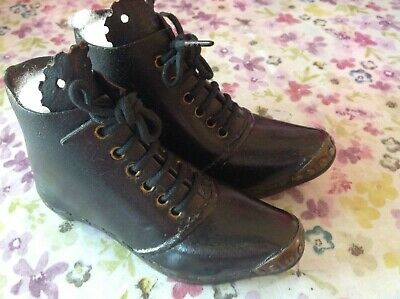 "Antique/Vintage Child's Boots/Clogs (Length 6"")"