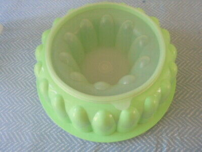 Tupperware Jelly Fromage Mould Green