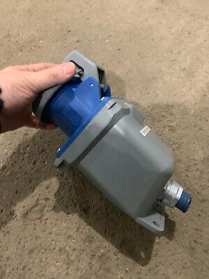 CLEAN! Hubbell HBL 460R9W pin & sleeve receptacle 3p 60a 250V plastic housing