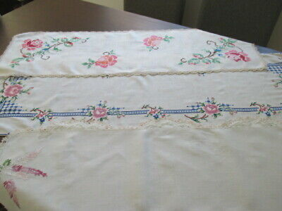 3 Vintage Retro Doilies. Hand Embroidered Linen Table Runner Doilies.Just Lovely