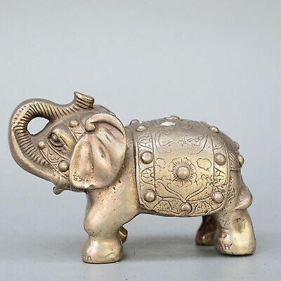 Collect China Old Miao Silver Hand-Carved Lovely Elephant Rare Auspicious Statue