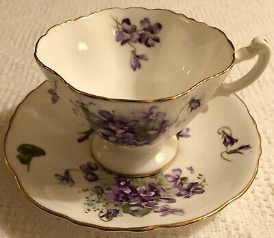 "HAMMERSLEY ENGLANDS COUTRYSIDE ""VICTORIAN VIOLETS"" Tea Cup And Saucer"