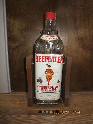 Vintage Collection BEEFEATER GIN Gallon Bottle Liquor Alcohol decanter Wood Base