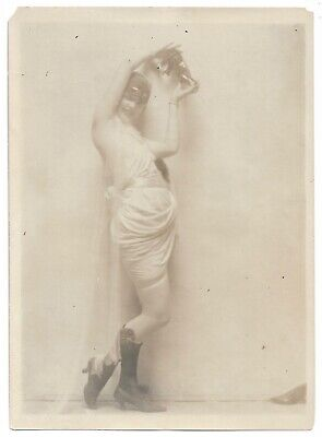 Vintage 1920s Wild Flirty Leggy Model Charles Sheldon Fox Shoes Ad. Photograph