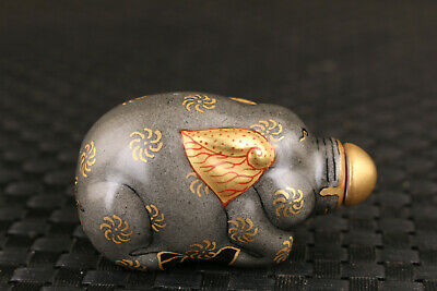 Art Chinese old porcelain hand painting elephant figure statue snuff bottle