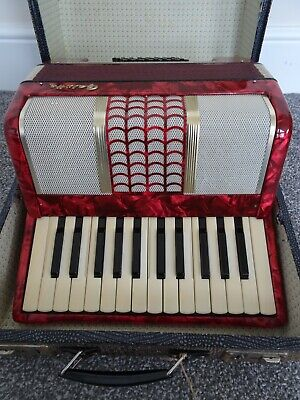 Galotta piano Accordion 32 Bass Keys With Straps and Case vintage
