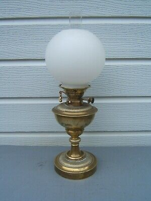 Oil lamp Messenger's key lift twin burner vintage unusual ribbed design    OL12