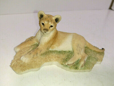 Country Artists 2003 lioness figurine Resign Statue 2003 Retired