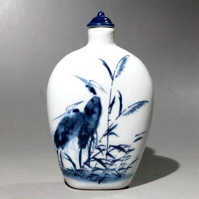 Collectable Chinese Old Porcelain Hand-Carved Crane Delicate Unique Snuff Bottle