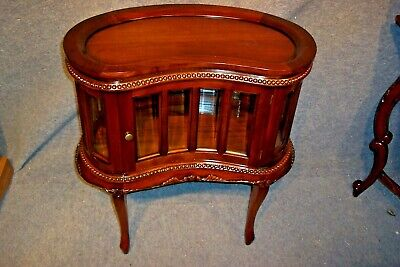 Solid Mahogany Carved Drinks Cabinet Side Lamp Table With Door Glass.