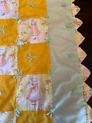 Vintage HOLLY HOBBIE Baby/Child Crib Quilt Blanket Comforter scalloped edges