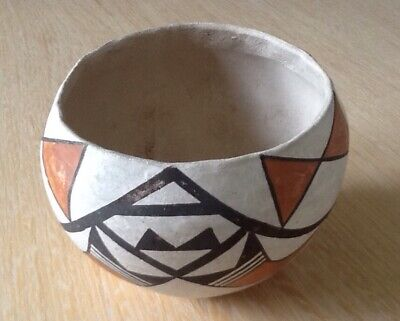 Old Native American Pueblo Indian Pot - Pre-Owned - Part of Large Collection.