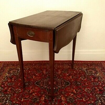 Pembroke table c. 1790 in very good condition.