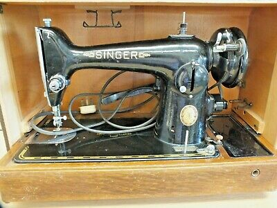 Table top Vintage Singer 201K Electric Sewing Machine in a Case
