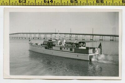 Vintage 1940's photo / San Francisco YACHT Named Memory Heads Out of Marina