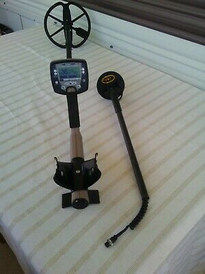 Minelab Safari Metal Detector / plus 4in sniper coil  rechargeable bartery/+ ++
