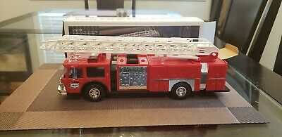 1986 Hess Toy Fire Truck Bank with Box. Excellent Condition.