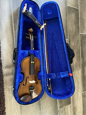 Stentor Violin Student 1 - 1/4 Size With Case + Bow in very good condition