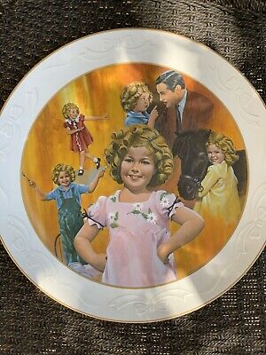 -This Plate Comes with The Certificate Of Authenticity The 10 1//2 Shirley Temple Plate Collection-Baby Take A Bow-- Nostalgia Collectibles