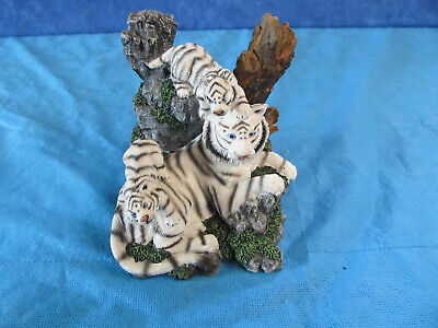 White Tiger With Cubs Endangered Species Store Figurine