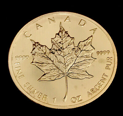 2013 Canada $5 Silver Maple Leaf .9999 pure  1 Oz