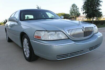 """2007 Town Car SIGNATURE LEATHER ONLY 85K MLS 17"""" MICHELIN TIRES 2007 LINCOLN TOWN CAR SIGNATURE LEATHER ONLY 85K MLS 17"""" MICHELIN TIRES RADIO CD"""