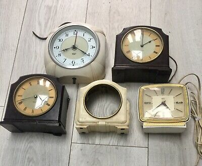 Job Lot Vintage Mixed Clock For Repair Or Spare