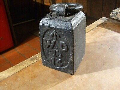 ANTIQUE 14lb CAST IRON WEIGHT  marked WD war department with up arrow, rare item