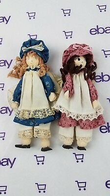 """Vintage Wooden Dollhouse Dolls dressed in dresses and bonnets 6.5"""" doll house"""
