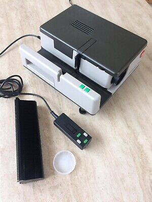 Leitz Pradovit 153 Slide Projector. Excellent Condition. With Original Box.
