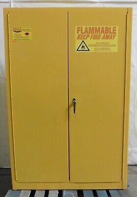 G174337 Eagle Manufacturing 4510 Safety Storage Cabinet 45-Gallon