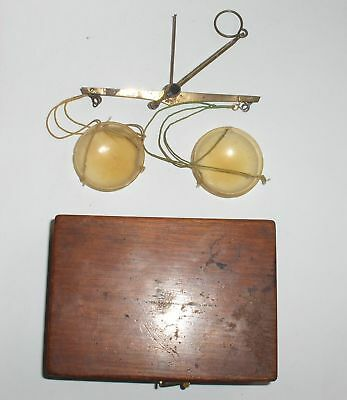 19c. ANTIQUE SWISS APOTHECARY PHARMACY BALANCE SCALE with WEIGHTS in WOODEN CASE