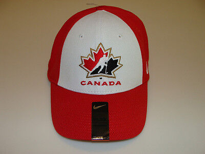 2012 World Juniors Championship Team Canada S/M White Red Flex Fit Cap Hat