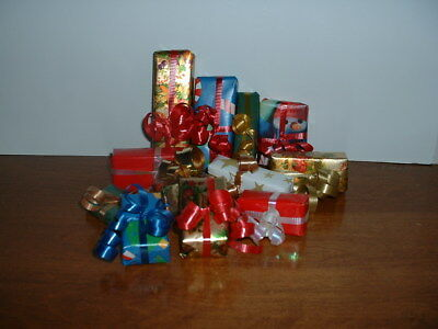 1263 Small Gift Wrap Package s/12 Great for Byers Choice