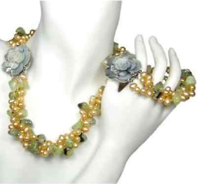 Pretty pearl and green garnet necklace&bracelet