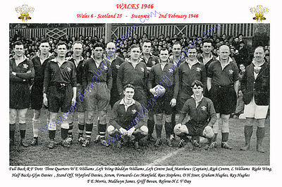 "WALES 1946 (v Scotland) 12"" x 8"" RUGBY TEAM PHOTO PLAYERS NAMED"