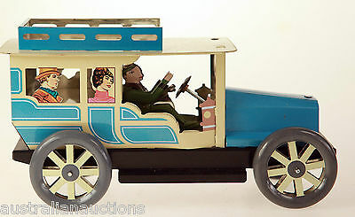 Tin Toy Classic  Car Wind Up Clockwork In Gift Box A Collectors Toy