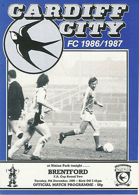 Cardiff City v Brentford 9 Dec 1986 FA Cup - 2nd round Football Programme