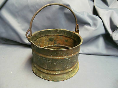 ANTIQUE ARTS & CRAFTS DECORATED COPPER BUCKET PAIL WITH RAT TAIL BAIL HANDLE 4x6
