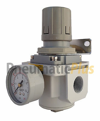 "PneumaticPlus Air Pressure Regulator 3/4"" NPT with Gauge & Bracket"